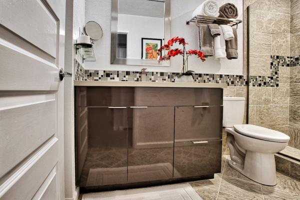 Son Cabinetry & Design - Bathrooms 11